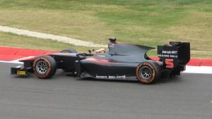 Vandoorne driving in the 2015 GP2 championship.
