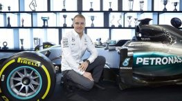 Bottas signs for Mercedes F1 team