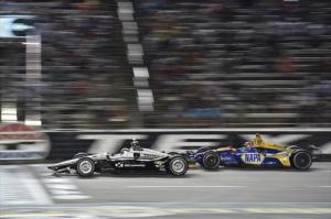 Alexander Rossi duels with Simon Pagenaud at Texas Motor Speedway 2018 IndyCar